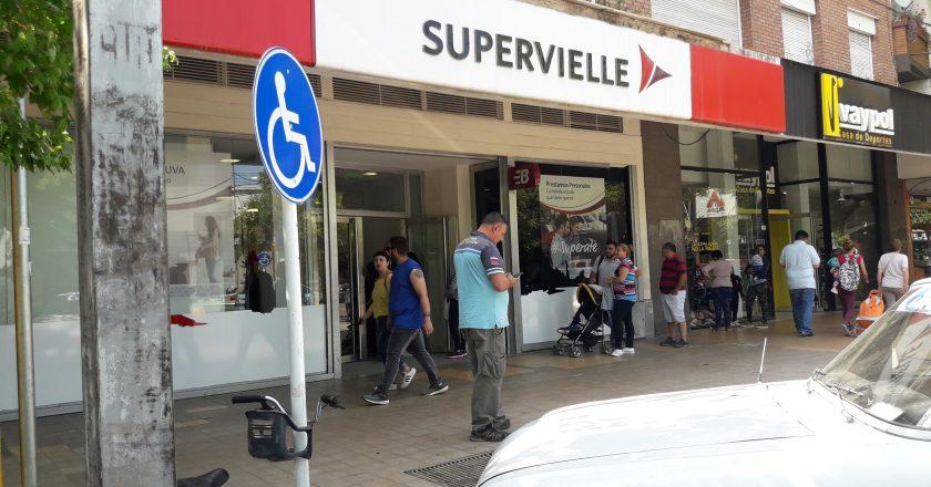 Bancarios denuncian un «proceso de cierres» del Grupo Supervielle y hablan de 20 sucursales en peligro