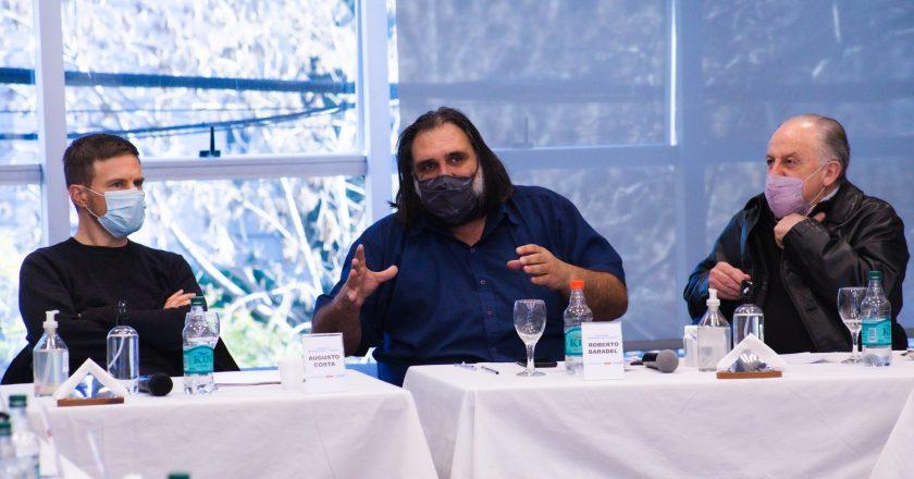 Baradel apoyó las clases a contraturno y le pidió a Kicillof que «haya excepciones» para el regreso a la presencialidad de docentes «con patologías»