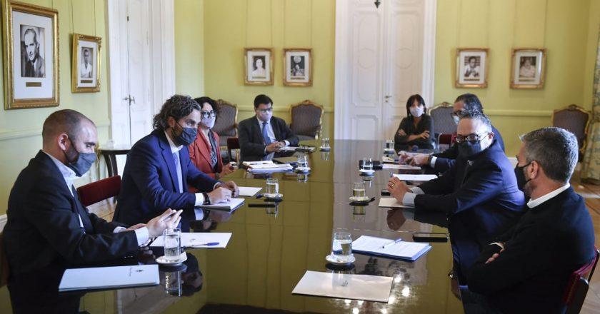 El gabinete económico anunció coordinación entre ministerios para reconvertir planes sociales en empleo