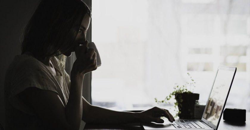 La mitad de los trabajadores planea volver a la presencialidad solo algunos días por semana