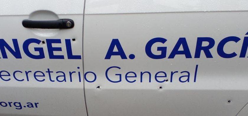 Balearon auto del gremio de la Seguridad Privada en Lomas de Zamora