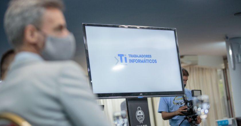 Gremio de informáticos desmintió a la cámara empresaria: «La mayoría de los trabajadores de la industria del software cobra menos de $60.000»