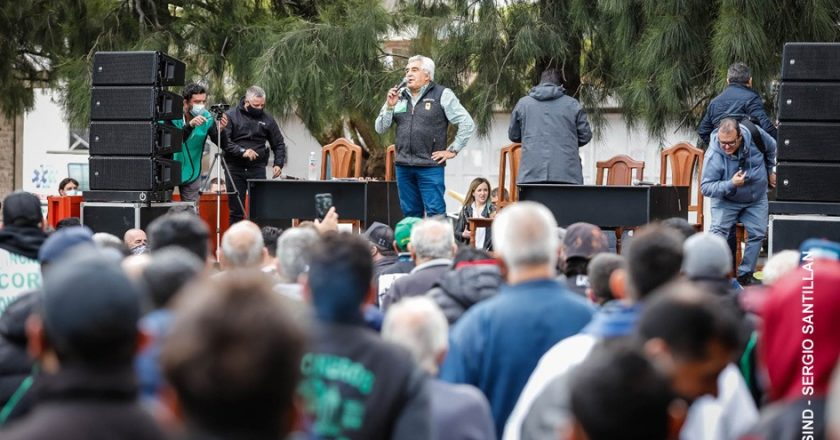 Con una asamblea multitudinaria, Coria inició el proceso electoral de Guincheros y obliga al moyanismo a decidir si juega a perder