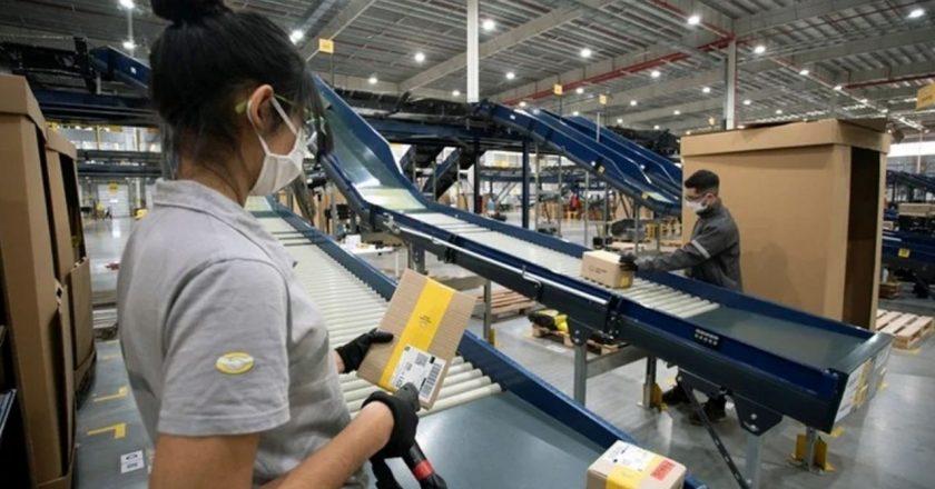 #EXCLUSIVO Pactan aumento del 42% semestral para trabajadores Mercado Libre y llevan el sueldo inicial a los 116 mil pesos