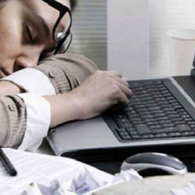Según el Indec, hay 1.3 millones de desocupados y casi 27% de quienes tienen empleo están sobreocupados