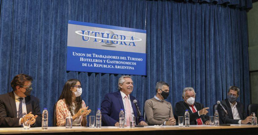 Un irreconocible Luis Barrionuevo oficialista saludó los viajes de egresados de Kicillof y el plan de Fernández para el sector: «Estamos viendo la luz al final del túnel»