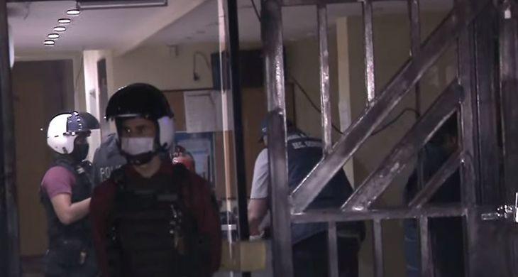 La Justicia definió que tenía que desalojar pero Requelme se atrincheró en el gremio de Seguridad, resistió a los tiros y terminó detenido