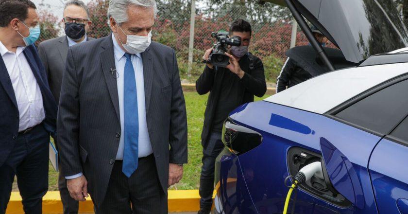 Presentan proyecto de desarrollo de la industria automotriz para la Movilidad Sustentable con la mira en generar 200 mil puestos de trabajo