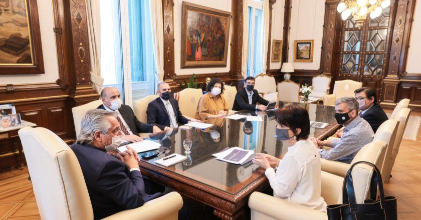 El presidente trabaja en el proyecto de ley de monotributo para trabajadores de la economía popular