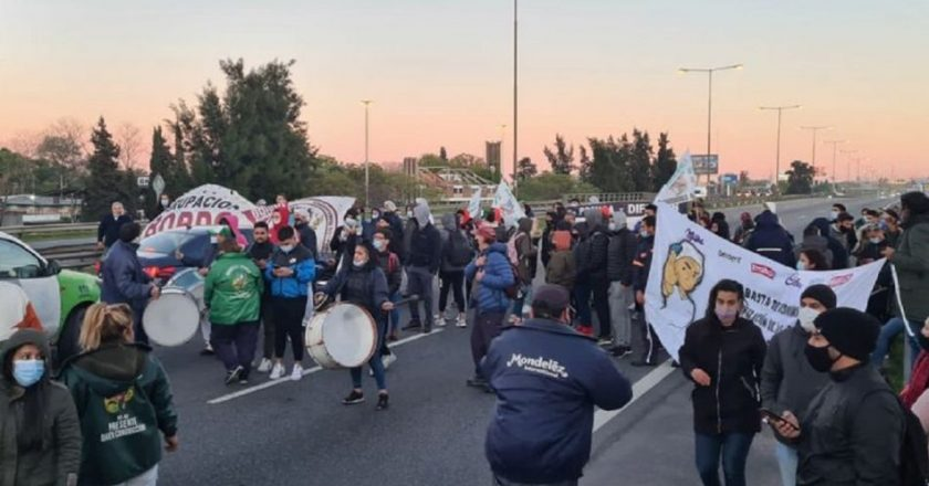 Mondelez no renovó el contrato de 200 trabajadores y denuncian que el plan es flexibilizar