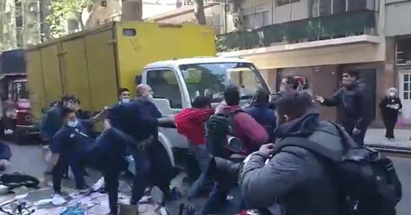 Militantes de Daer expulsaron a las piñas a opositores que volanteaban en la puerta del Sanatorio Güemes