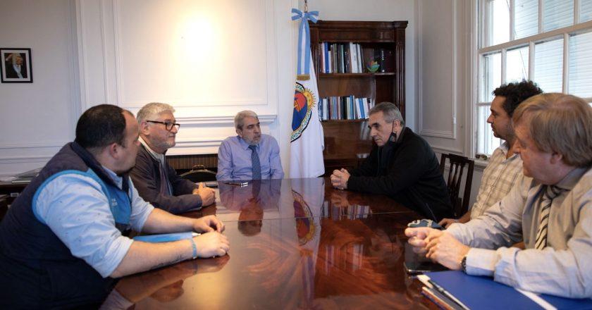 Schmid le pidió a Aníbal Fernández que las embarcaciones para patrullaje marítimo «se construyan en astilleros nacionales»