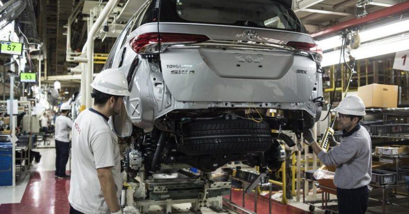 Bajo fuerte presión del Smata, los operarios de la planta de Zárate votaron a favor de la reforma laboral de Toyota