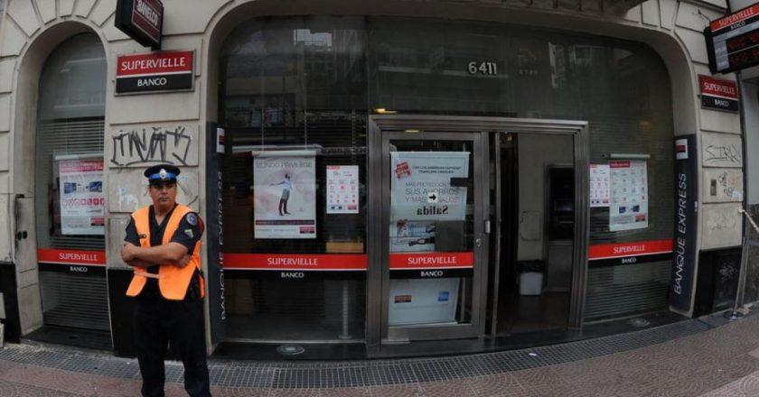 Palazzo solicitó la inmediata intervención del Central para frenar cierre de locales del Supervielle